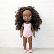muñeca de color afro